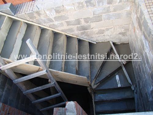 Монолитные лестницы на второй этаж