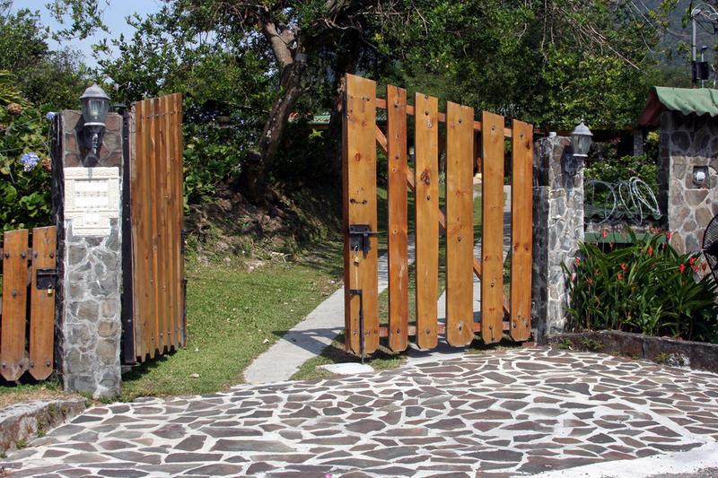 Ворота на забор на даче