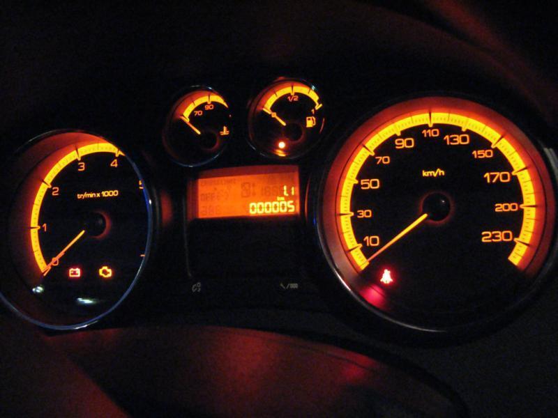 мазда 6 2011 года загорается ключ желтый калийных