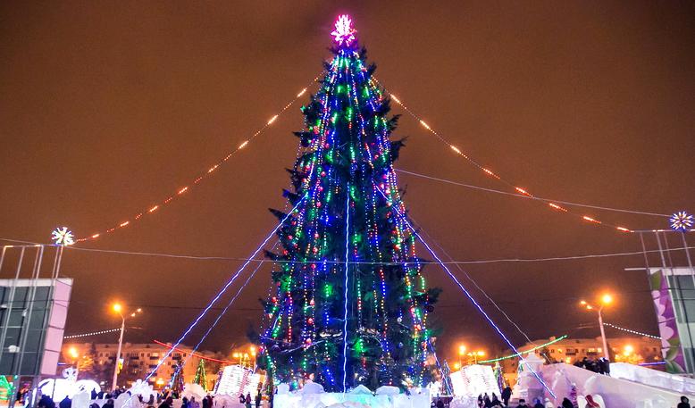 Картинки по запросу Уфа новогодняя ёлка
