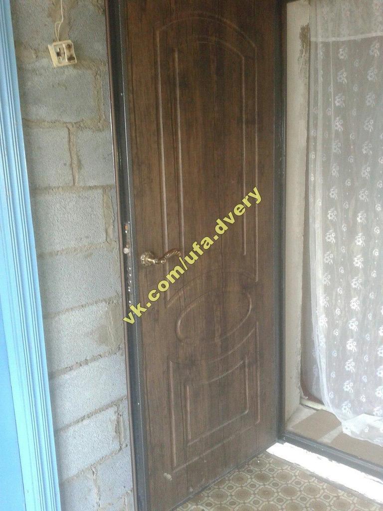 железная двухстворчатая дверь от производителя