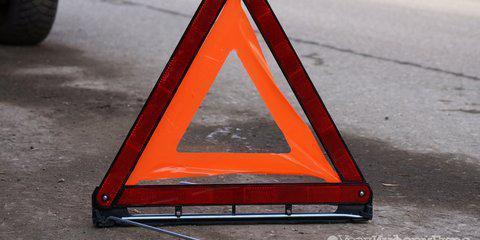 Под Курском в столкновении легковушки и грузовика пострадали две женщины