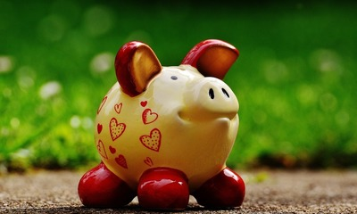 Page medium piggy bank 1429582 1920