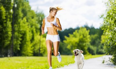 Page medium woman running dog physical activity