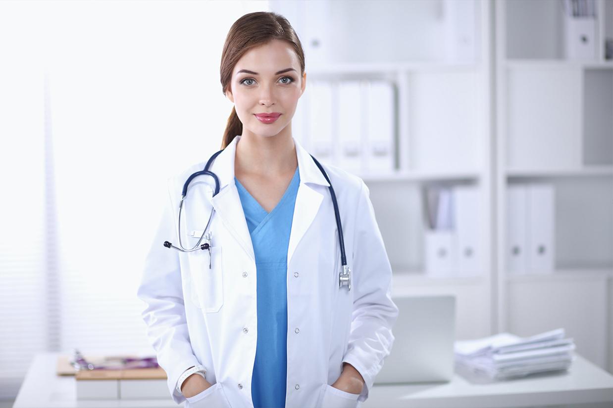 Видео у женского врача, девушка пригласила подругу лезби домой