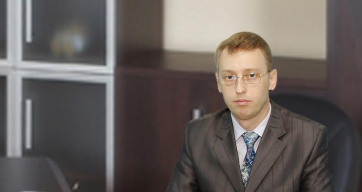 адвокат оказывает услуги юридическому лицу